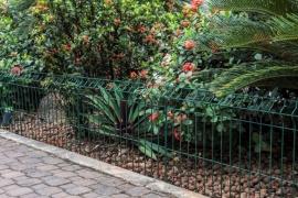 Agora a beleza do seu jardim está em suas mãos! Indicado para delimitar jardins e áreas de pequena e média extensão, como hortas caseiras.